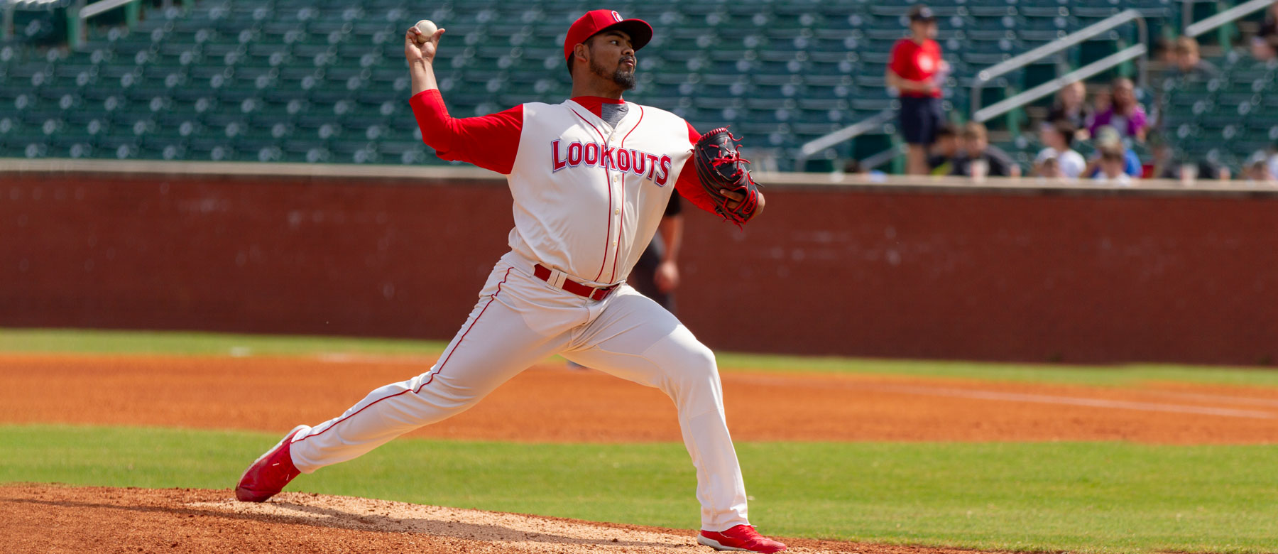 Reds Tony Santillan to the IL with triceps tendon strain | redsminorleagues.com